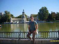 Массажист Олег возле речки