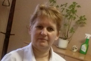 Массажистка Елена с медицинским образованием