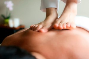 Пресс-ударный массаж ногами