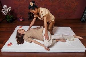 """Тайский массаж - """"йога ленивого человека"""""""